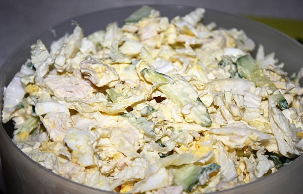 Содержание материала4 салат с пекинской капустой, курицей и кукурузой5 салат из пекинской капусты, куриного филе и сыра.