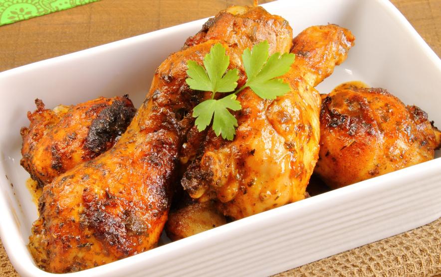Как вкусно приготовить куриные бедрышки в духовке