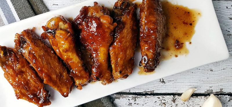 Куриные крылышки в духовке в медово-соевом соусе