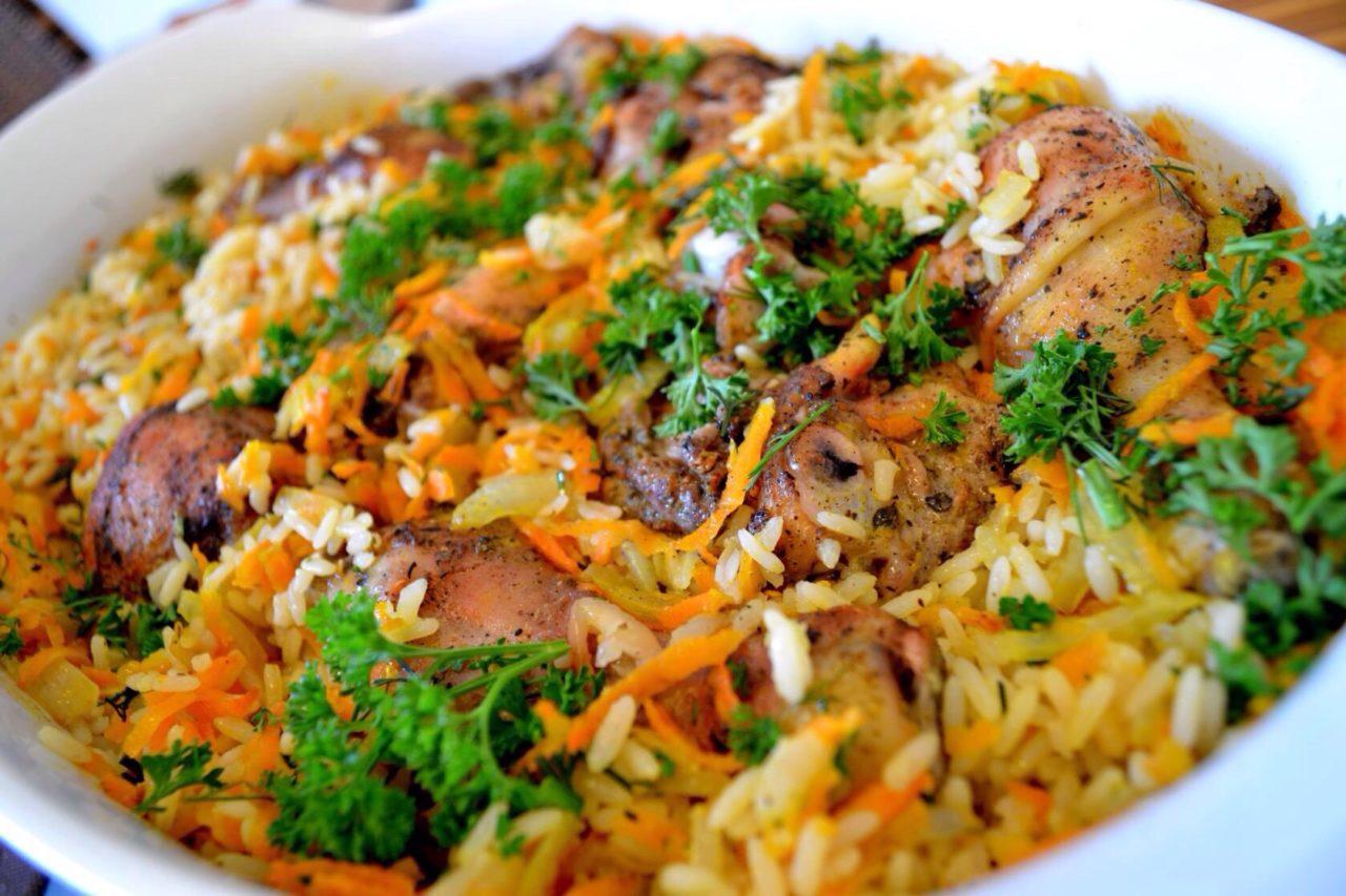 Рис с курицей на сковороде – базовое приготовление