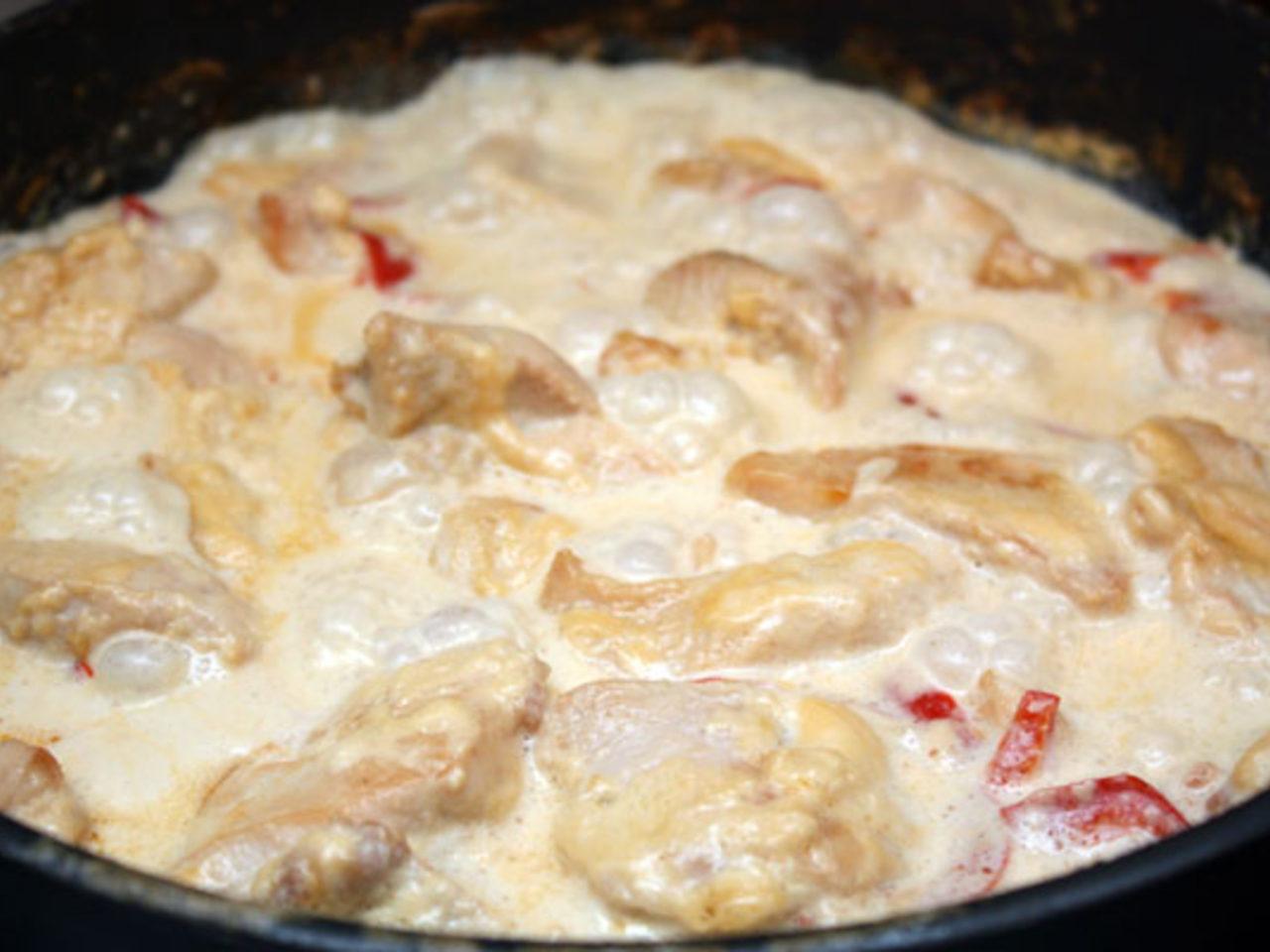 Подливка из курицы сметанная с овощами